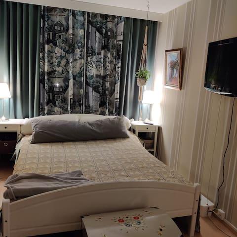 Makuuhuone1 Parisänky
