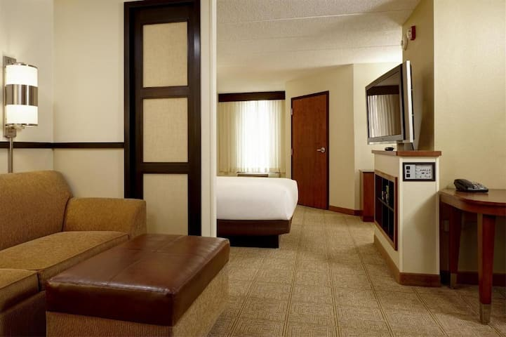 Boutique Double Bed At Garden Of The Gods