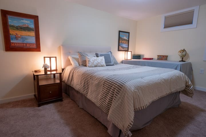 A Traveler's Den; Cozy stay for a Montana Vacation