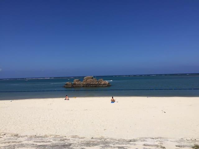 ☆Close to the sea! Hawaiian style condo☆ 2F corner