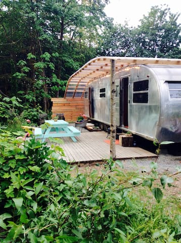 1950's Vintage Trailer on the River - Port Alberni - Camper/RV