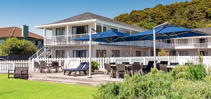 Beach front living in the heart of Paihia