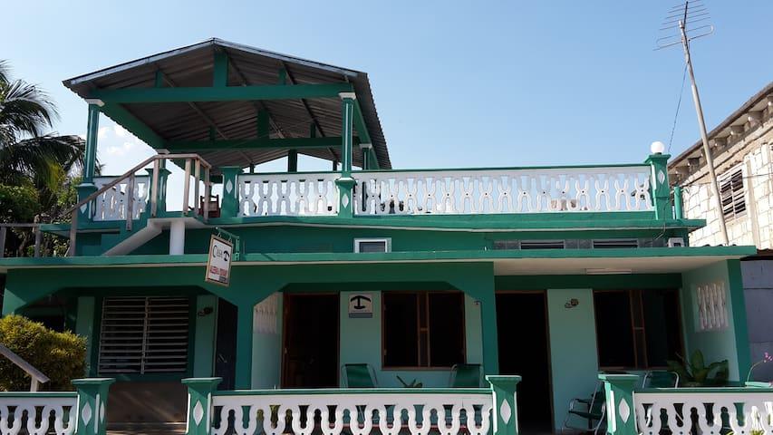 David´s Best: Playa Larga Casa Aileen y Yosvany R2 - Playa Larga