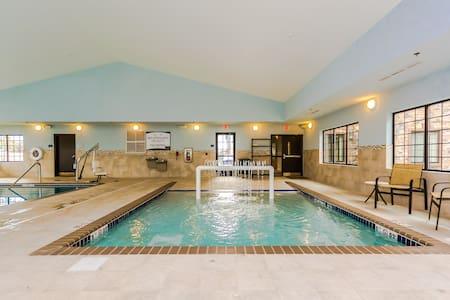 Free Breakfast. Indoor Pool & Hot Tub. Perfect for Visiting University of North Dakota.