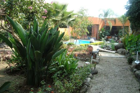 Tranquilidad y descanso en una hermosa casa - Cuernavaca - Bed & Breakfast