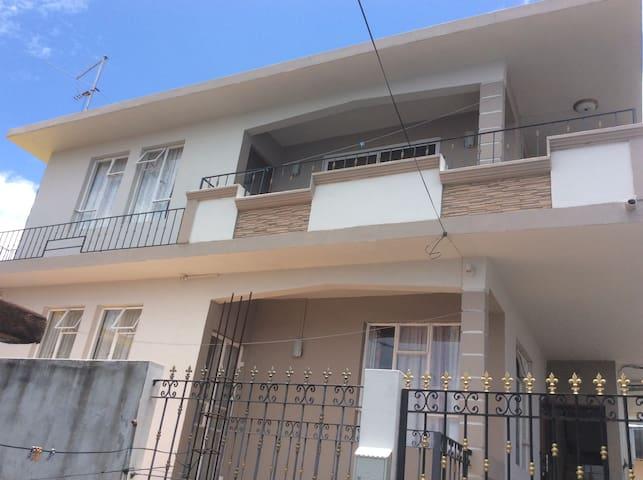 Shalom Villa