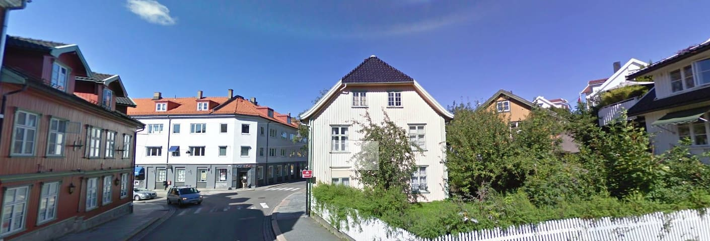 Single room for rent in Drøbak center - Drøbak - Townhouse