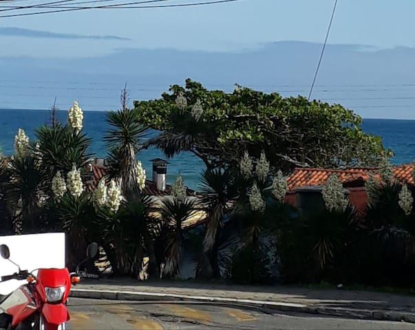 Lindo Apto.em residencial de Frente para a praia