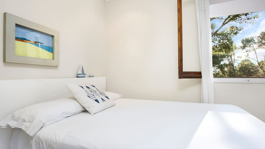 2 bedroom Apartment sleeps 4 in Llafranc 1
