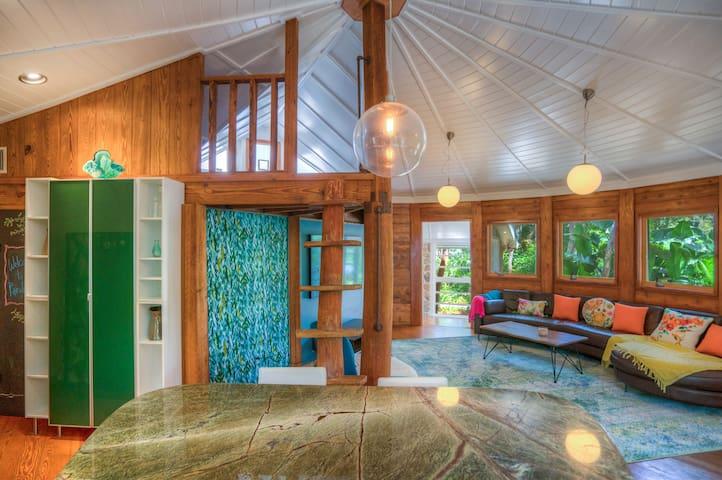 Tropical Luxury☀️Beach Club, Game Room + Lounge