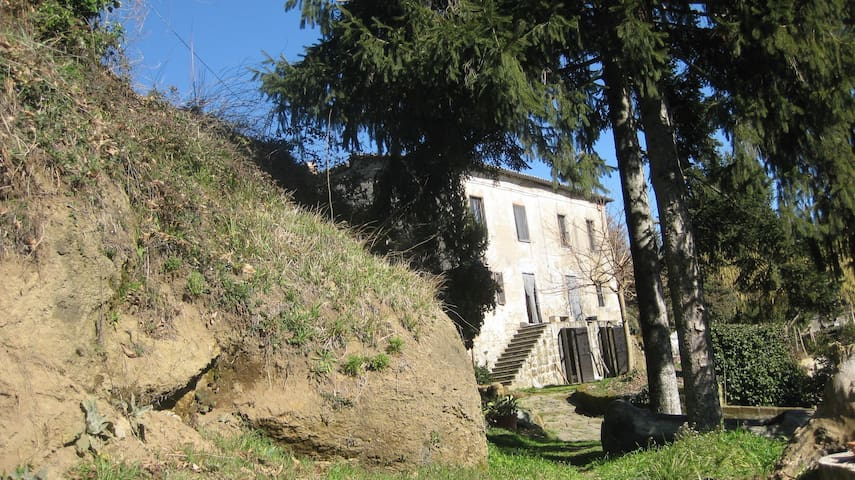 country house near the Bolsena lake - Grotte di Castro - Huis