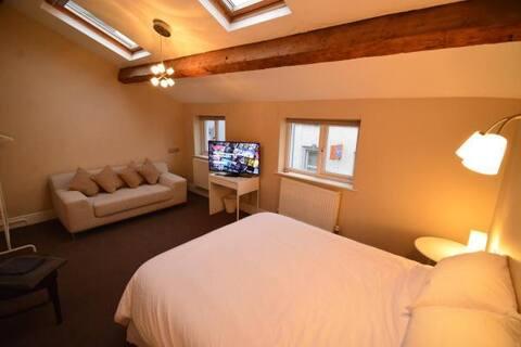 Suite in City Centre Aparthotel