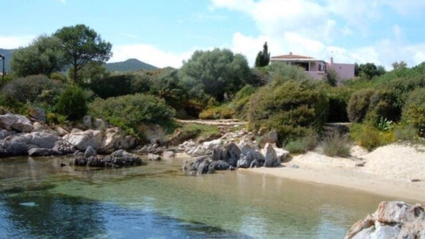 SARDINIAN SEAFRONT VILLA WITH BEACH