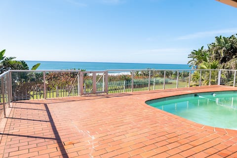 Oceanside Retreat- Stunning home with beach access