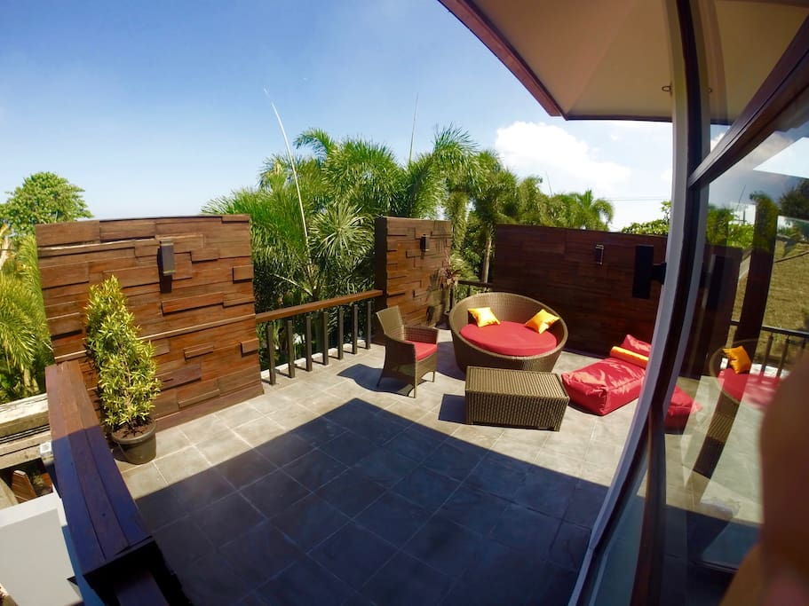 Rooftop Part 2 -  with Lounge Area - sunbed, lounge chair, beanbag & coffee table