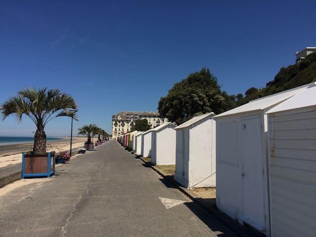 Logis de charme~avec vue sur mer* et accès plage~