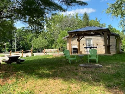 Bridge-View Suite at Cataract Falls Lodge