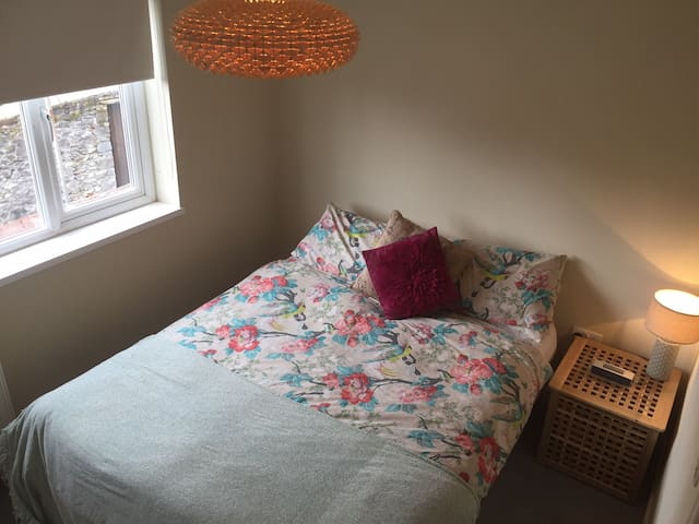 Cosy Double In Central Location - Plymouth