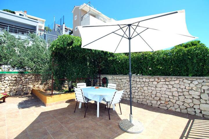 Two bedroom apartment with terrace and sea view Tisno, Murter (A-5136-a)