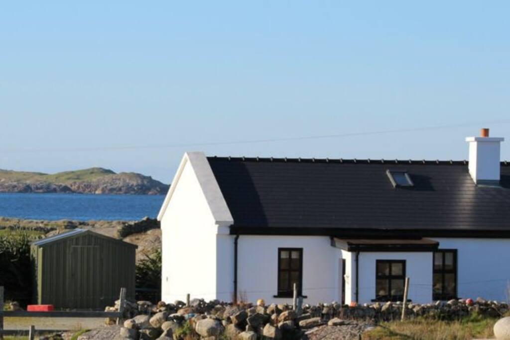 Claddaghduff cottages
