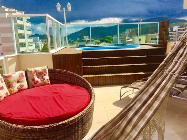 Sea Mirage Penthouse