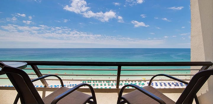 2BD 2BA High Floor Beachfront Condo/Private Beach