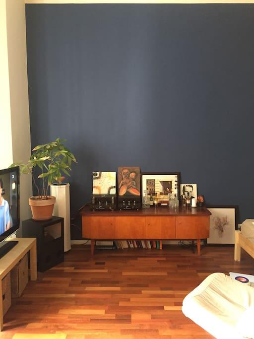 Bedroom/ Living Room