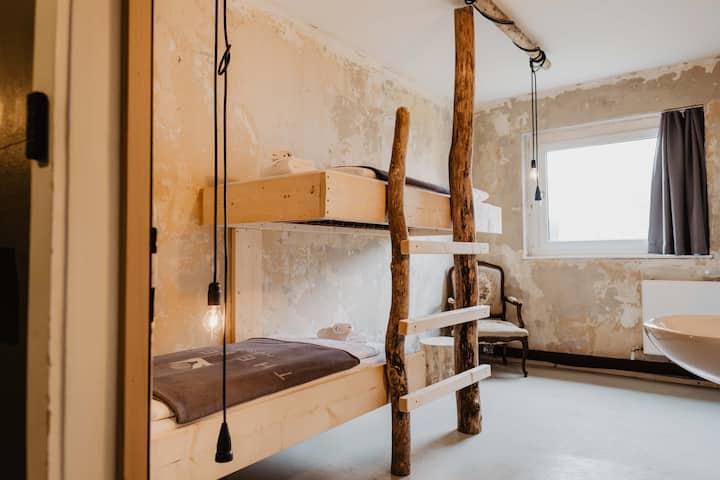 The Keep Eco Residence - Twin Room 403