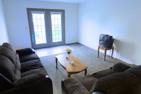 2 Bed/2 Bath Apartment Close to Interstate - Normal