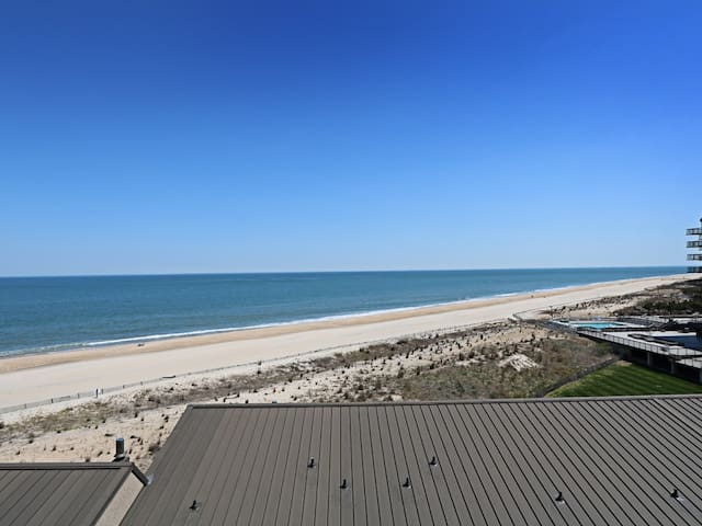 B602: 1BR Sea Colony Oceanfront Condo | Private Beach, Pools, Tennis ...
