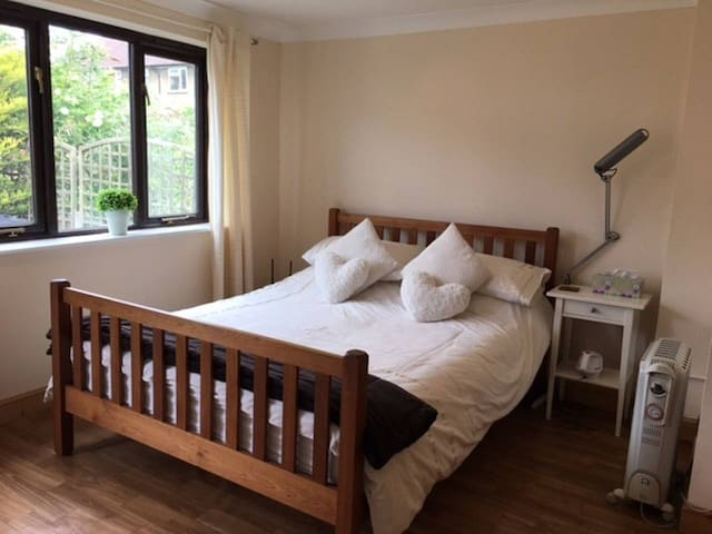 Apartment / Room with En-Suite