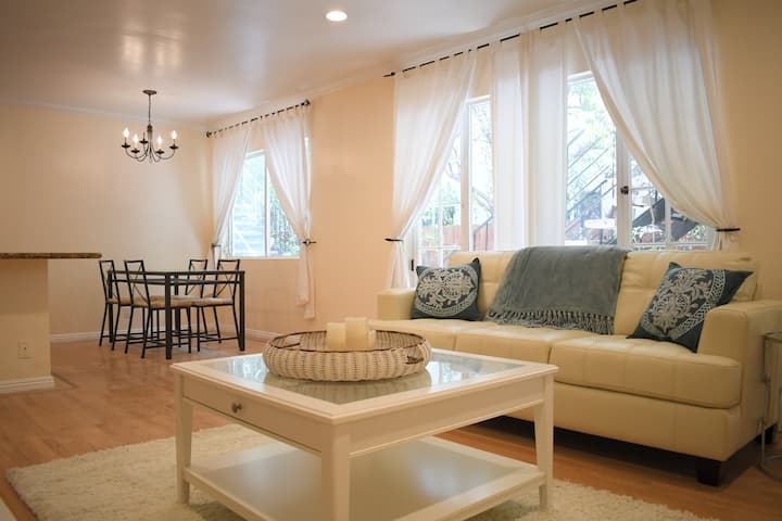 Charming Santa Monica 2Bed/1Bath Apt