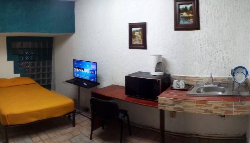 El lugar es ideal, pues tiene todos los servicios independientes. An Ideal place to stay because of the facilities.
