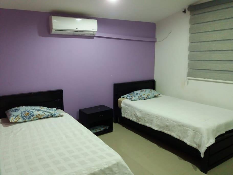 Habitación disponible con aire acondicionado y baño privado
