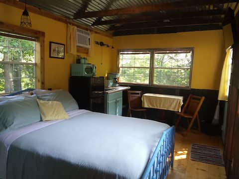 Homespun Hideaway Near RRG, No Extra Fees