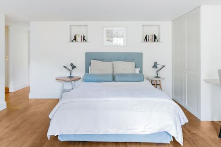 Luxury Studio with a Private Terrace in Summertown