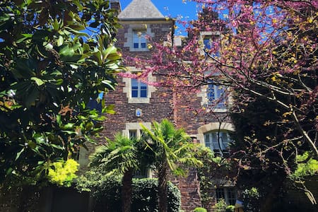 Castel Jolly - เรนเนอส์