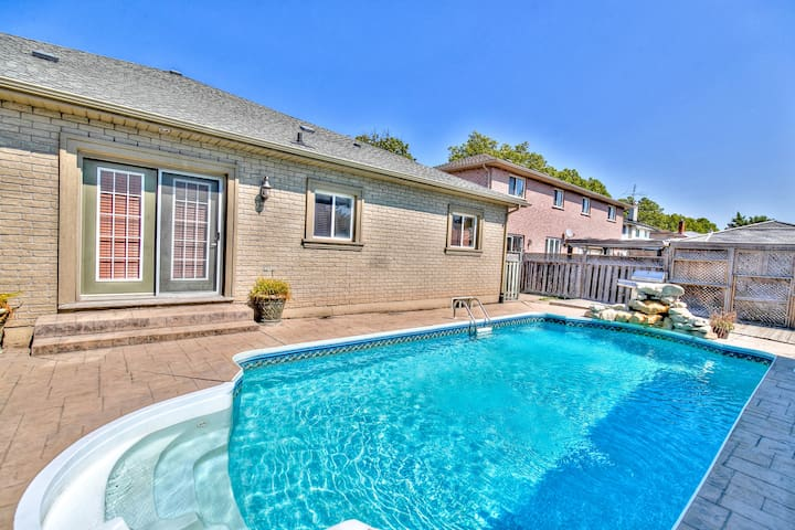 Stonehaven 5 with private pool- SAVE UP TO $449, WE PAY THE CLEANING!