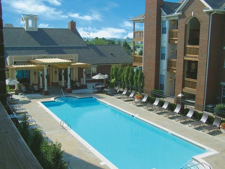 Furnished 3-Bedroom Apartment: Southwest Lexington