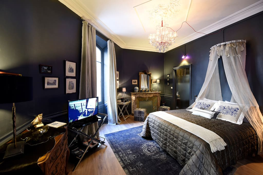 la maison de sade guesthouses for rent in carpentras provence alpes c te d 39 azur france. Black Bedroom Furniture Sets. Home Design Ideas