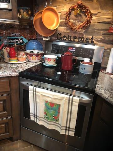 Maxwell's Riviera Getaway Kitchen/Living Add-On