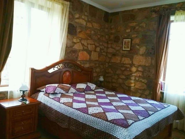 Bedroom 1 / Спальня 1