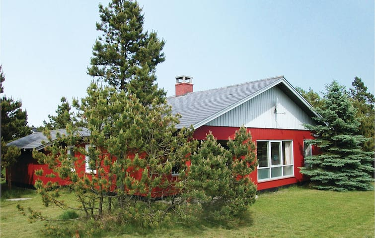 Holiday cottage with 3 bedrooms on 90 m² in Vejers Strand