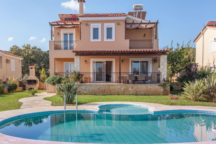 Villa Chloe - Gerani Villas with private pool