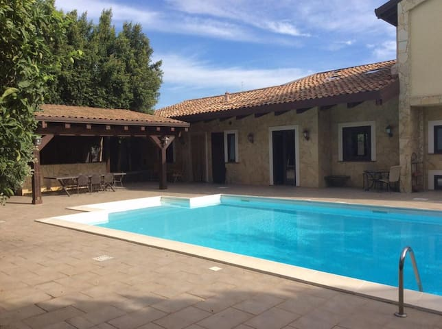 Villa between Etna & Sea with pool