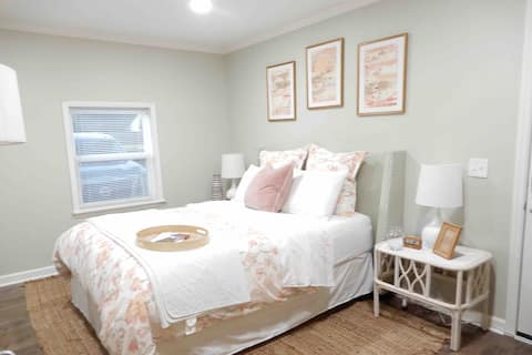 New Private Suite- Minutes from Downtown Franklin!