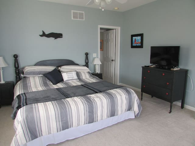 Private Bayfront Room & Bath on Rehoboth Bay