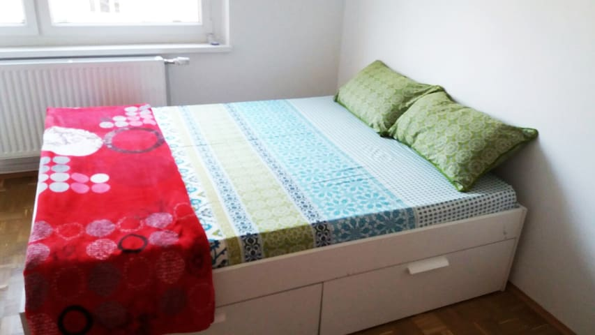 Quiet and Bright Single room - Graz - Wohnung