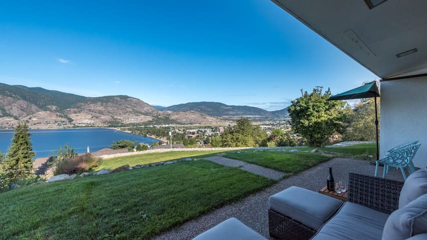 Breathtaking views of Skaha Lake, Beach and City!