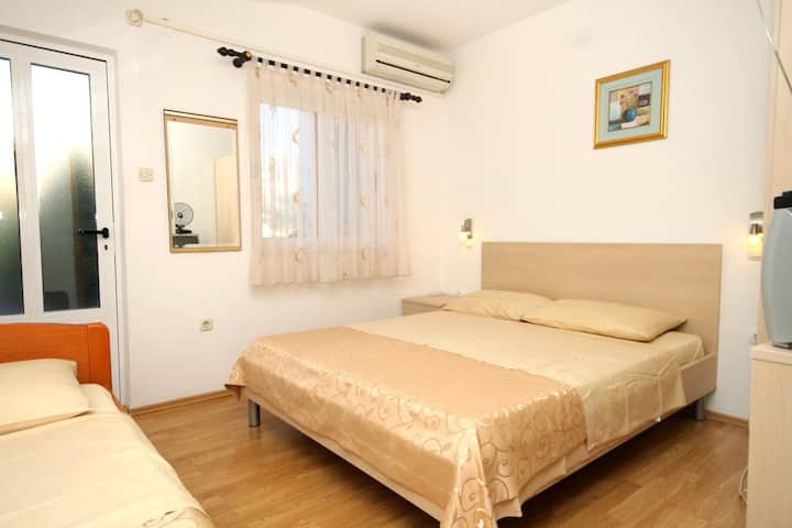Studio flat with terrace Slano, Dubrovnik (AS-2159-c)
